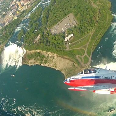 Snowbirds Cockpit Cam - Aerial View Niagara Falls